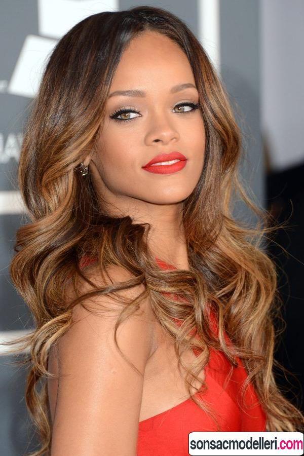 Esmer Tenli Kadınlar Için Uygun Saç Renkleri