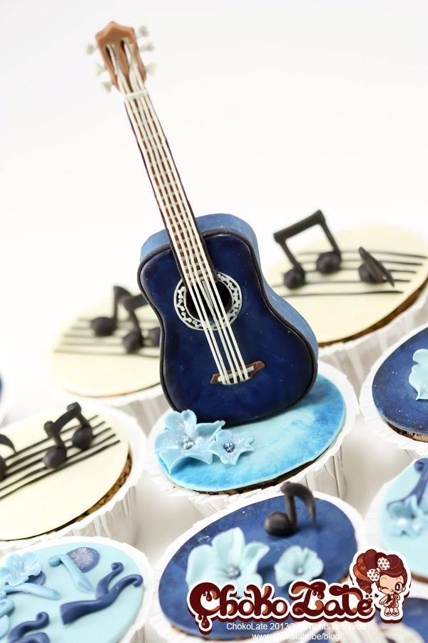 Classical Guitar cupcakes
