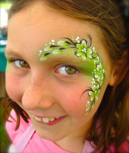 green flowers face paint bloemen schmink www. Black Bedroom Furniture Sets. Home Design Ideas