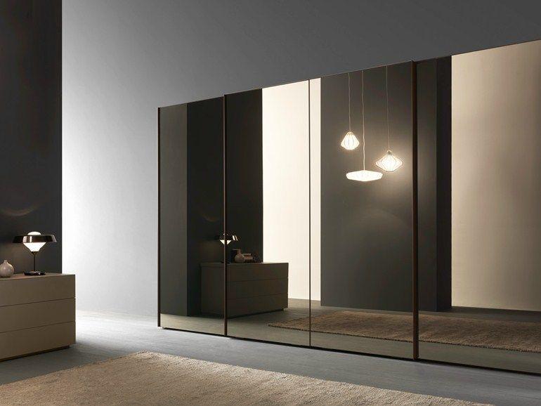 Armoire Avec Portes Coulissantes Glass, Panneau Miroir Bronzo Avec Profil  Laqué Marrone Glacé Mat.