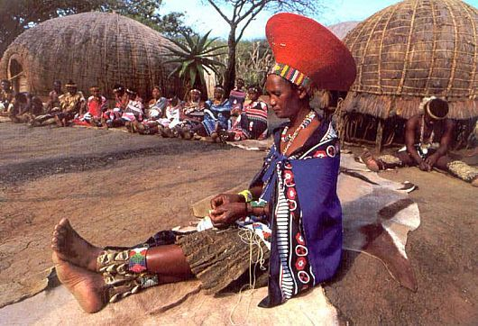 Zulu lady, South Africa - travel here with http://www.thesafaricoltd.com