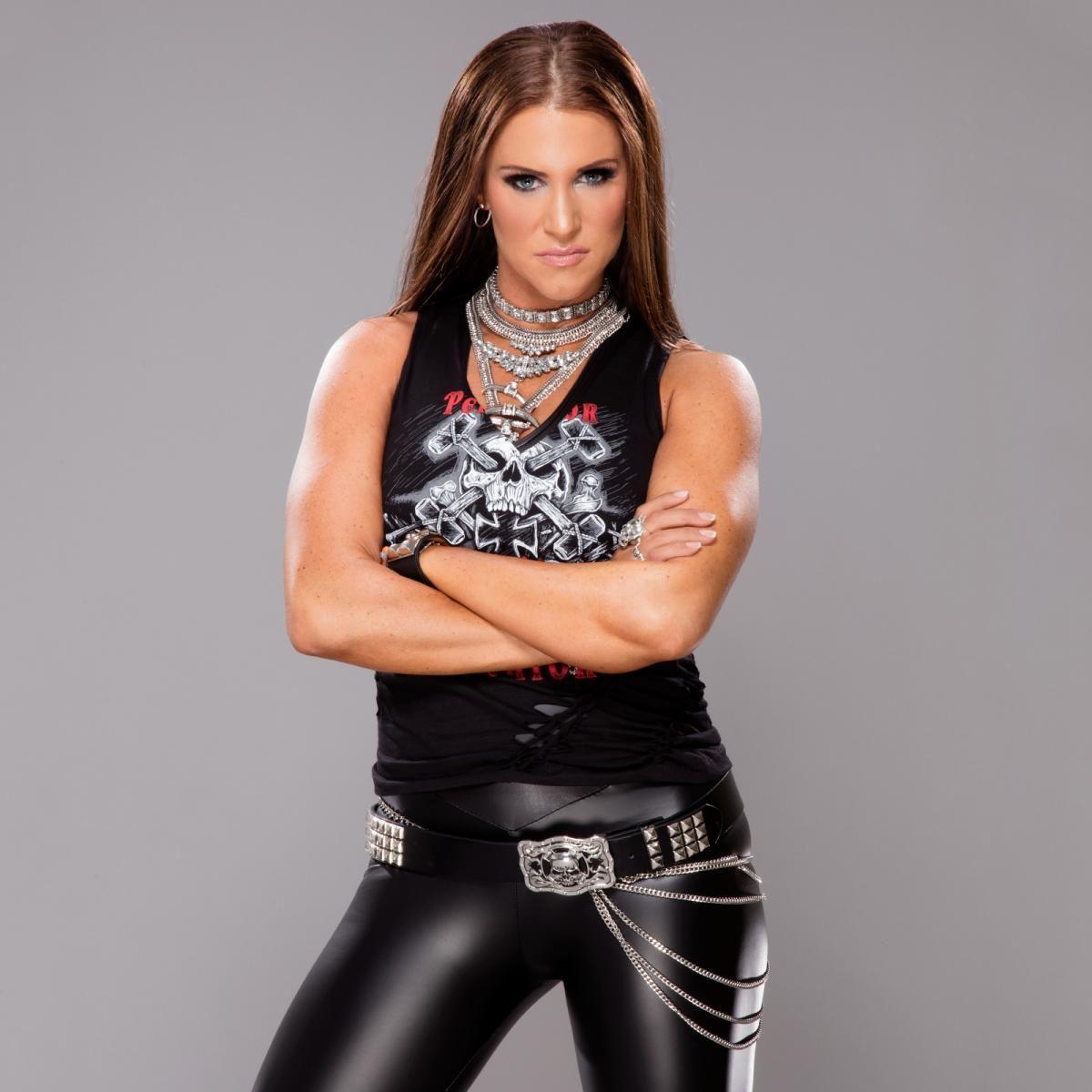 Photos Wrestlemania 33 S Coolest Ring Gear Stephanie Mcmahon