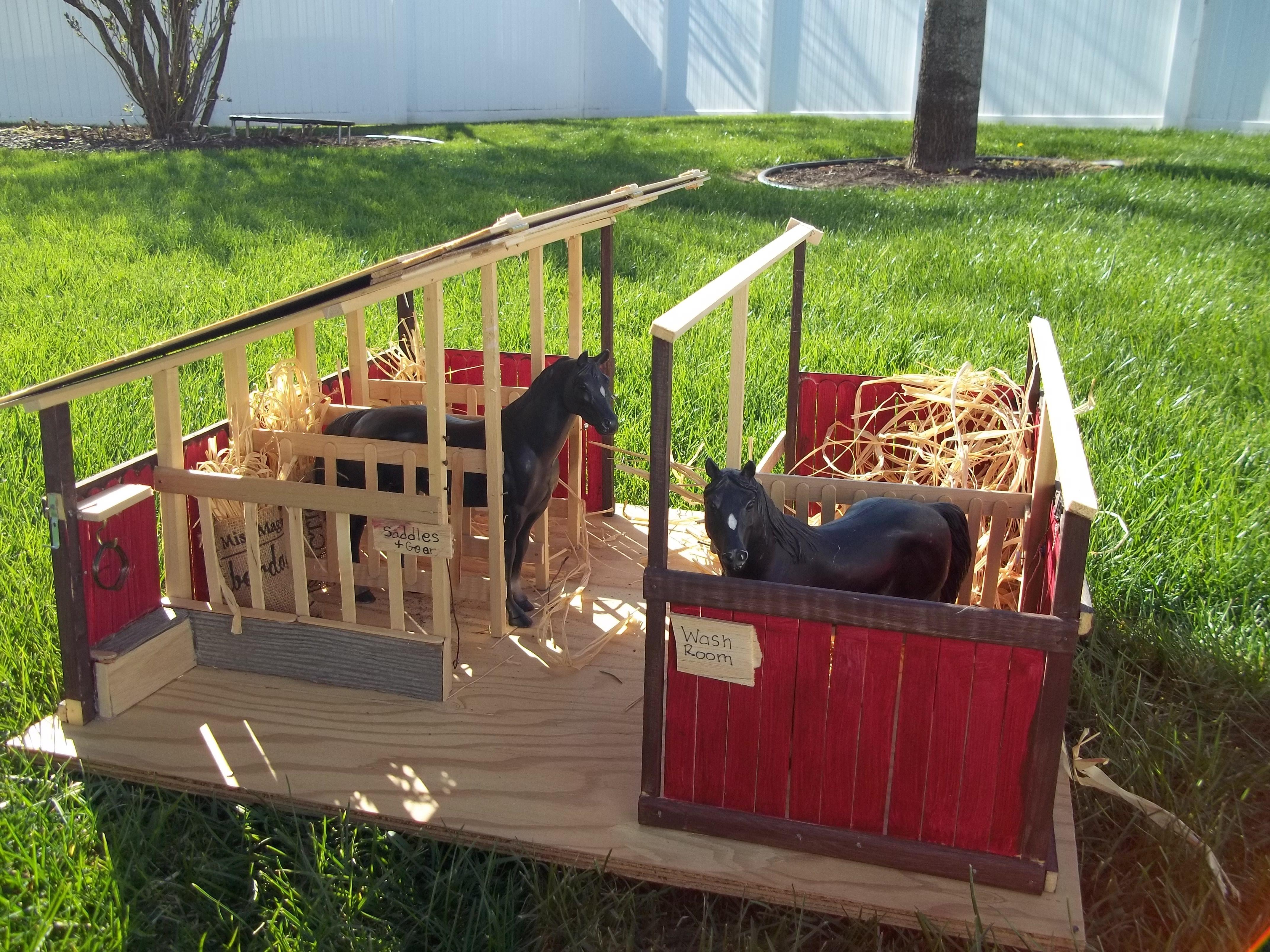 horse stable for kids horses rule pinterest. Black Bedroom Furniture Sets. Home Design Ideas