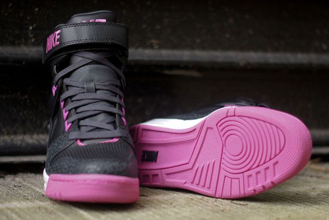 Nike WMNS Air Revolution- Sky Hi Purple