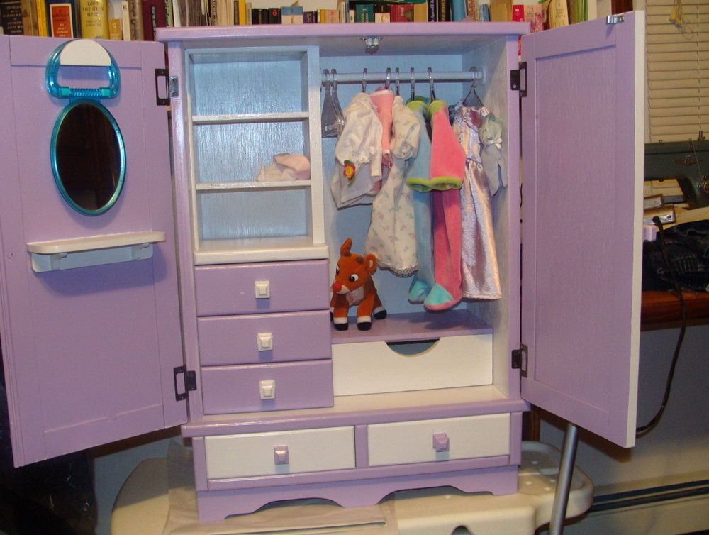 How To Make A Doll Closet Out Of A Shoe Box