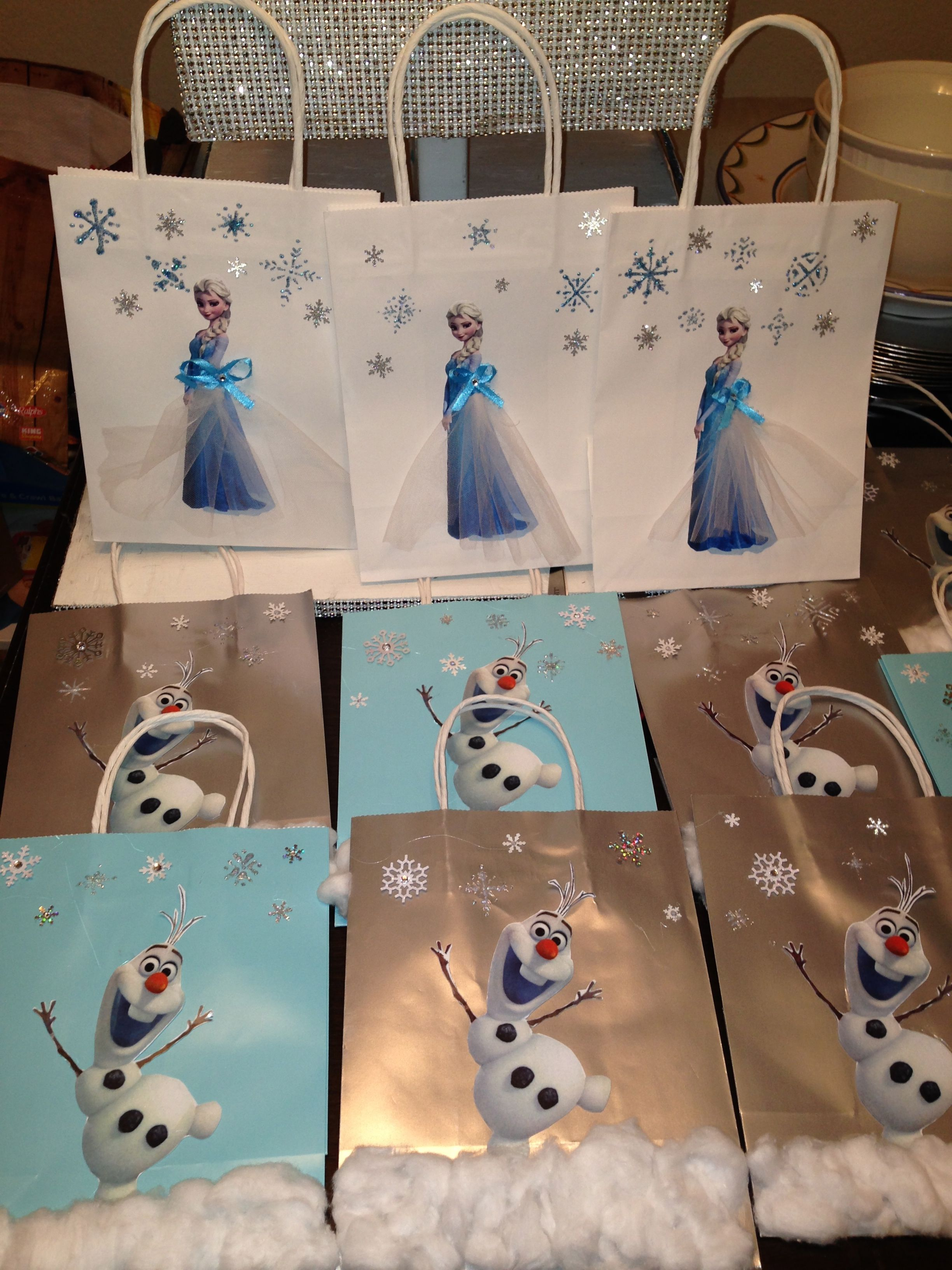 Handmade Favor Bags For Another Frozen Party
