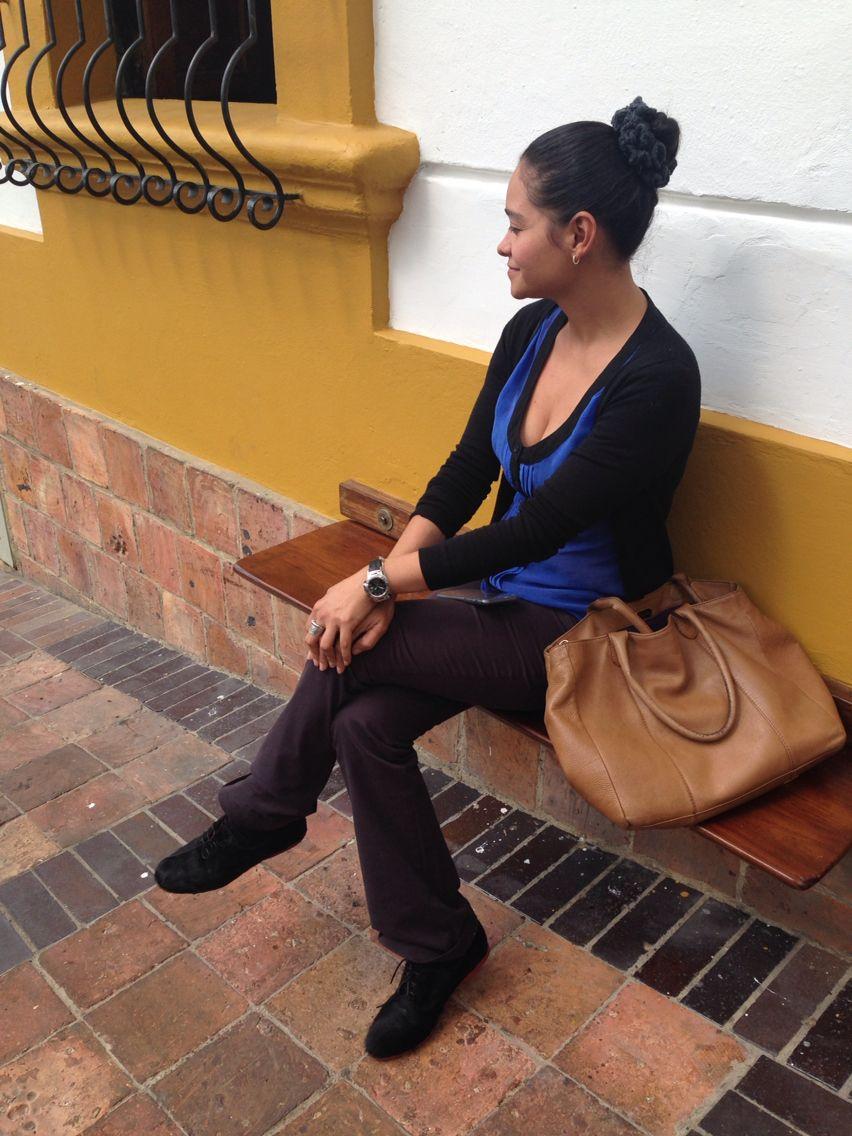Pastora y sus oxford en pelo negro. #yosoycatanavia
