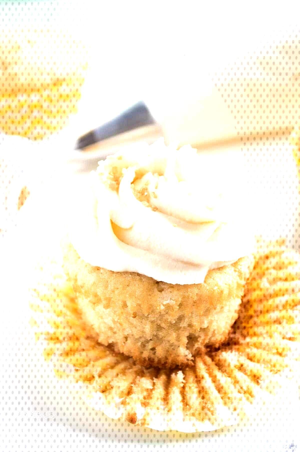 Mini Pecan Pies (Pecan Tassies) - Cupcakes -