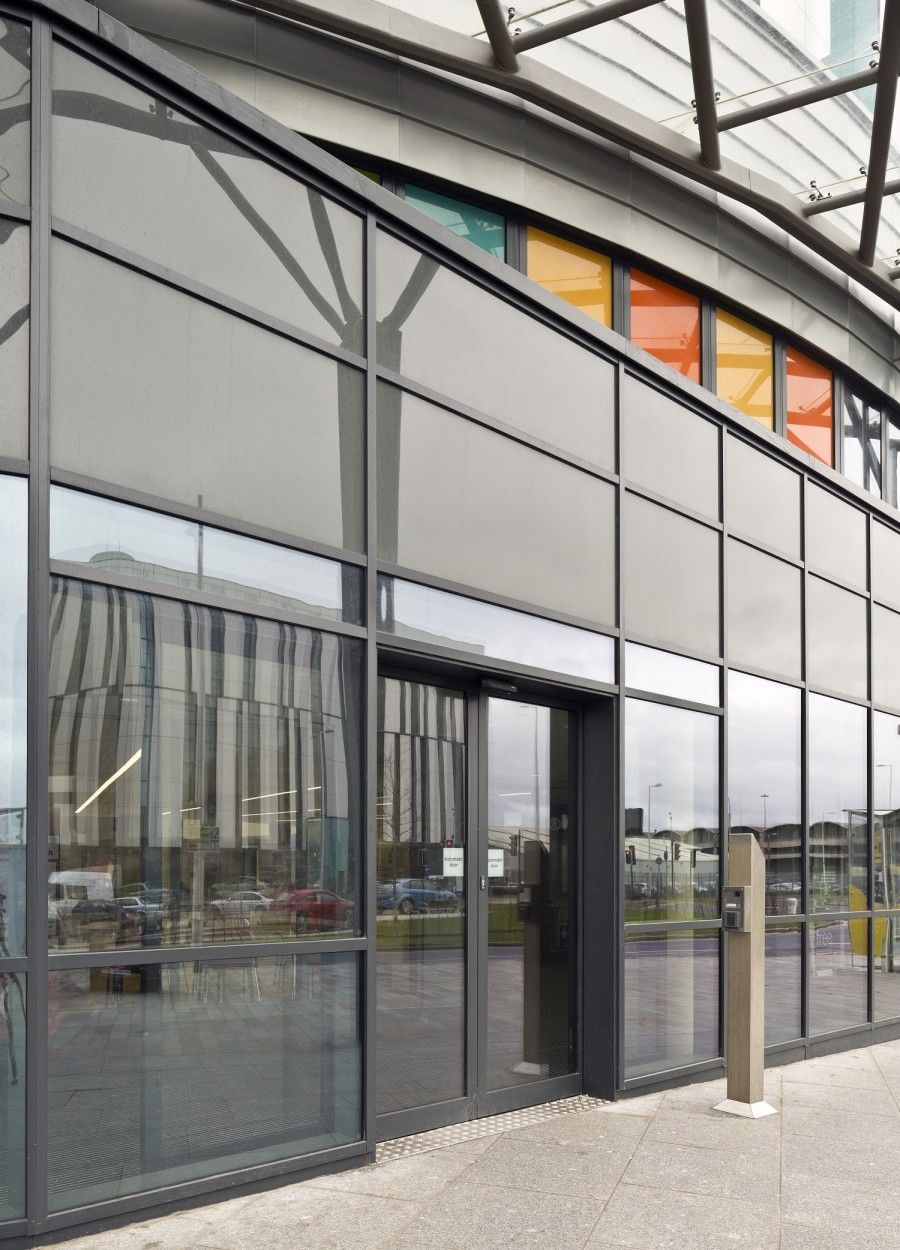 A total of 17 GEZE automatic doors which included Slimdrive SL NT sliding operators and & A total of 17 GEZE automatic doors which included Slimdrive SL NT ...