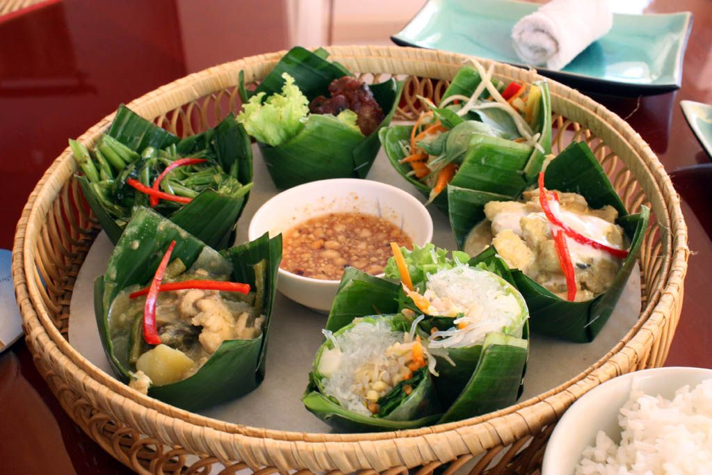 Khmer food platter at angkor palm restaurant food cups for Angkor borei cambodian cuisine