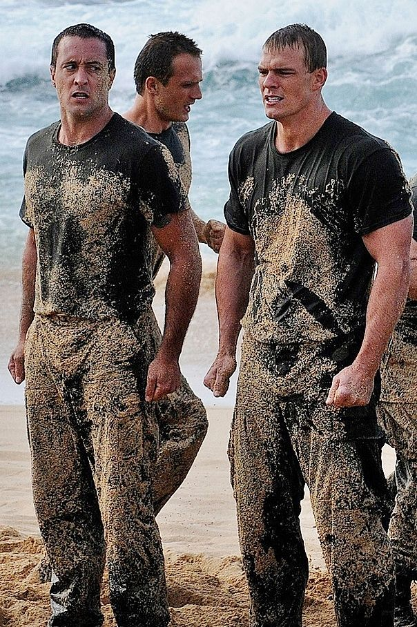 ♥♥♥ #H50 ep 3.20  Alex O'Loughlin and Alan Ritchson - edited photo from Flickr Navyregionhawaii