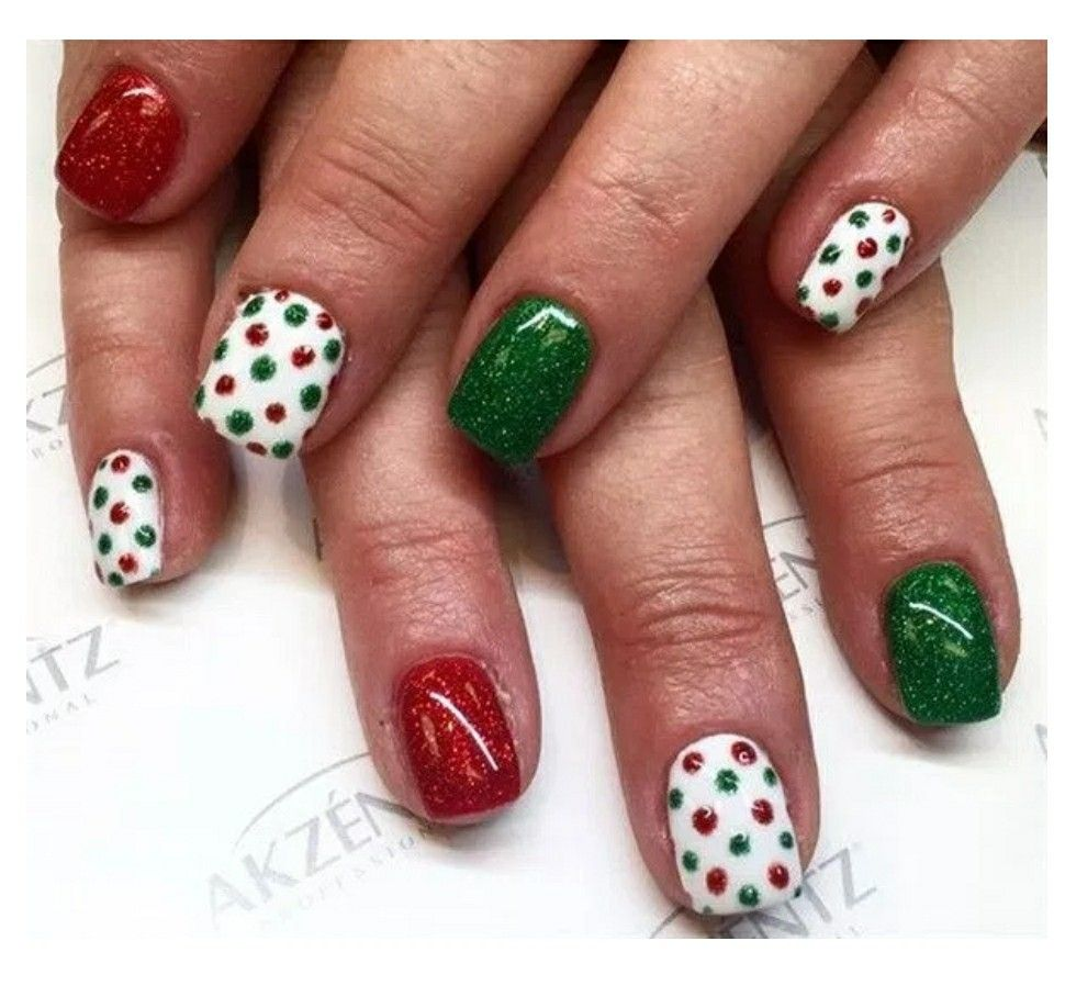 Pin by Courteney Greer on christmas~new year\'s nails | Pinterest ...