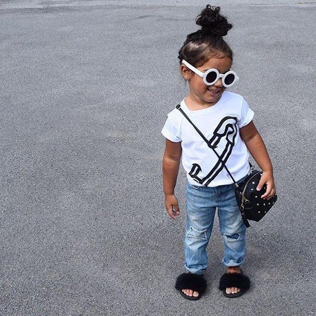 Little cutie  Rocking her outfit   @twolittlelobos  WEBSITE - WWW.KIDZOOTD.COM  For a chance to be featured #kidzootd follow @kidzootd  #fashion#ootd#kidsfashion#kids#kidzootd#instafashion#childrensfashion#kidswear#childrenswear#style#stylish#trendy#girlsfashion#girlswear#toddlerfashion