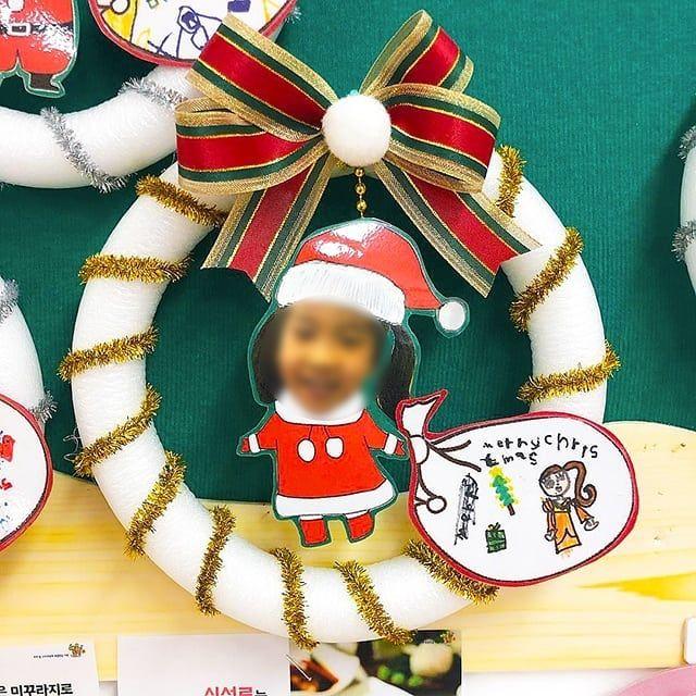 Ssu301 선생님의 넘나 귀여운 산타들 크리스마스 산타 최쑤쌤 부직포로 간단하게 만들어서 크리스마스분위기내기 크리스마스카드 크리스마스 카드 크리스마스 리스 크리스마스