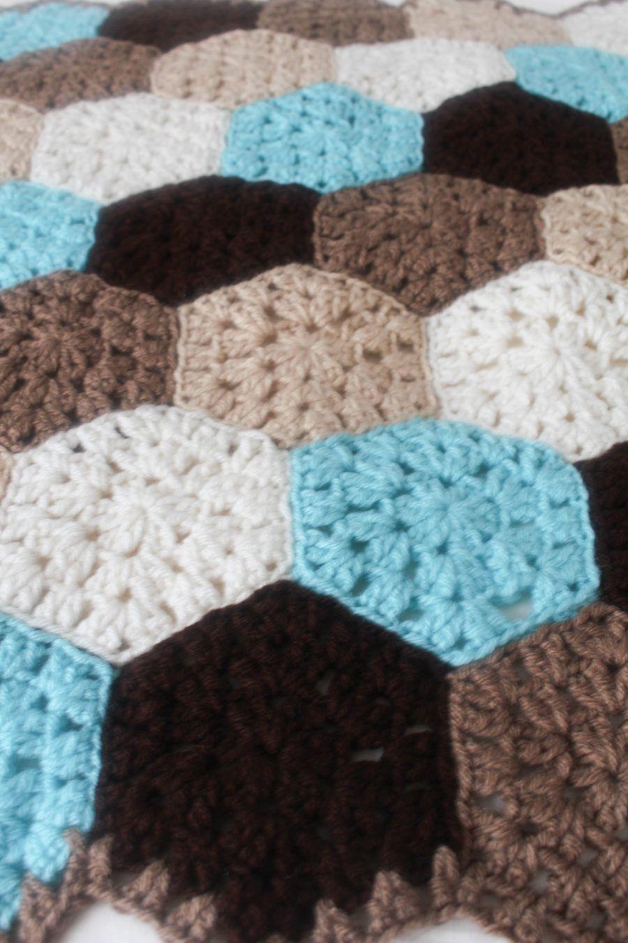 Free Crochet Pattern: Hexagon Honeycomb Stroller Blanket | Mantas de ...