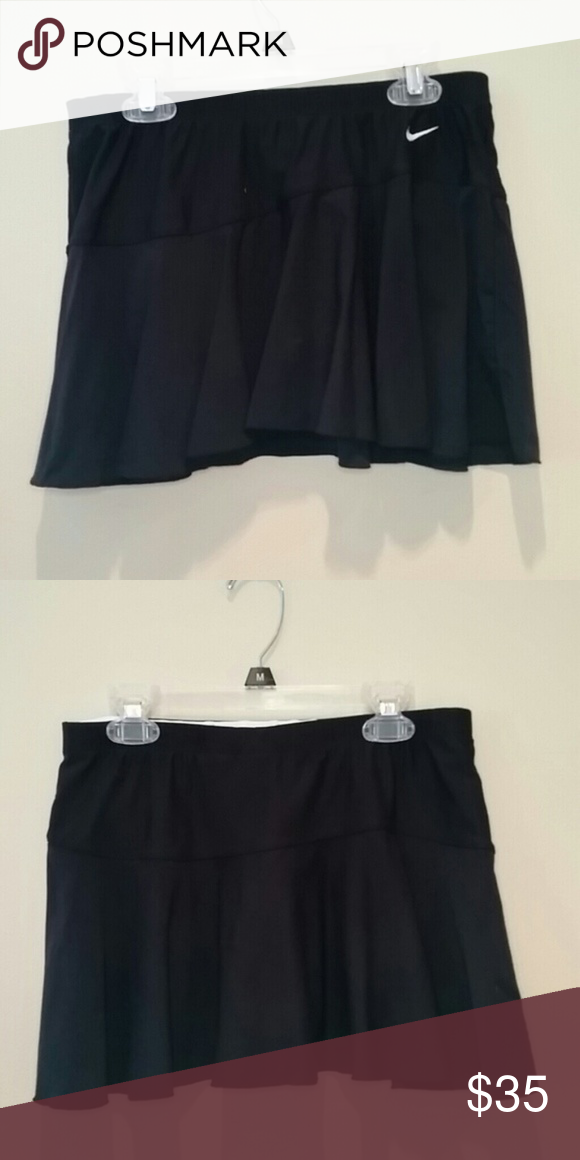Nike Black Tennis Skirt Euc You Re Free To Focus On Your Match And This Chic Nike Court Flex Pure Tennis Skirt With A Feminine Tennis Skirt Black Nikes Skirts