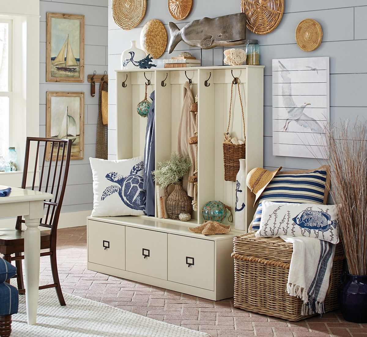 23 Beach Coastal Decor Ideas Inspired Home Decor: Beach Themed Entryway