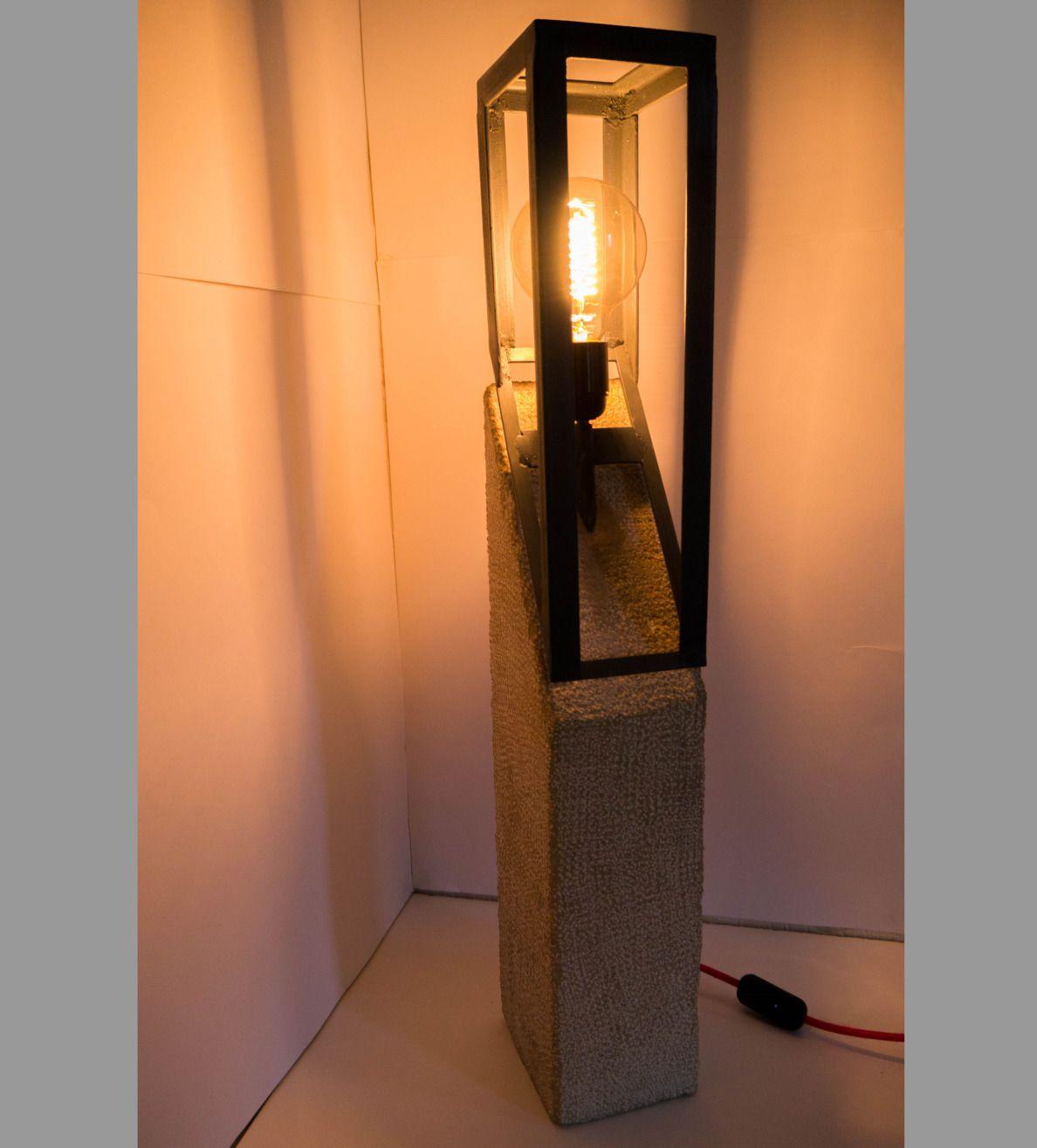 Lampe En Pierre Brute Taillee Et Metal Ampoule Vintage A