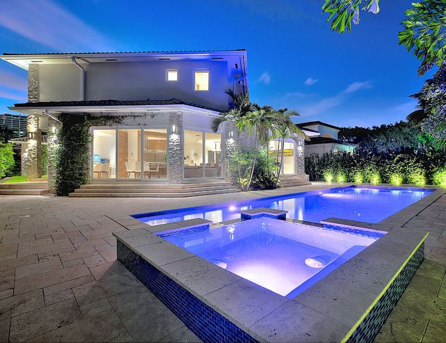 Made in miami luxury house and future house for Casas lindas por dentro