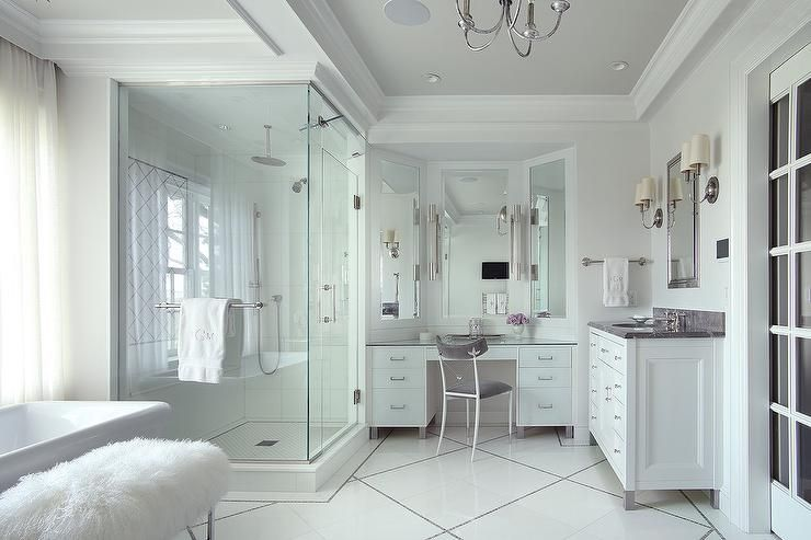 Soft White Walls And White Diamond Pattern Tiles Accent A Large Master Bath Creating A Relaxing And Restful Retreat Bathroom Design Unusual Bathrooms Vanity