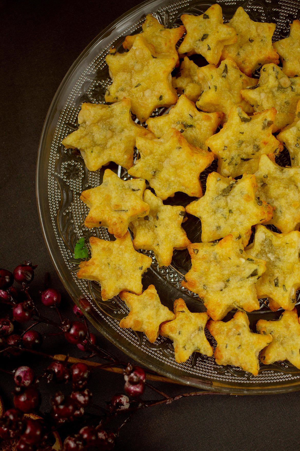 Gebackene Parmesan-Basilikum-Sternchen - Eine kleine Prise Anna