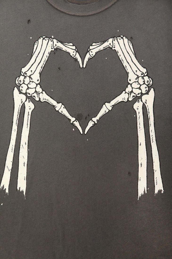 small resolution of  justiciaespatra a skeletal love street art 22mnovoy