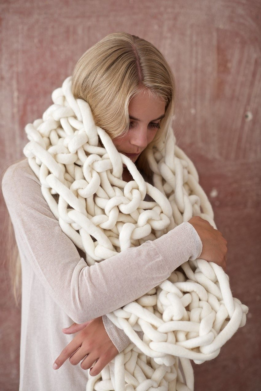 Knitting Chunky Scarves : Diy giant knit mega scarf craft pinterest