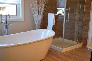 Badezimmer im skandinavischen Stil? Perfekt! #scandinavian #bathroom ...