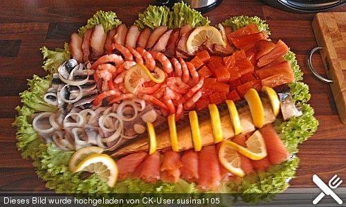 Kalte fischplatte f r das b fett b ffet buffet pinterest fische fischplatte und kalt - Deko vorschlage fur kalte platten ...