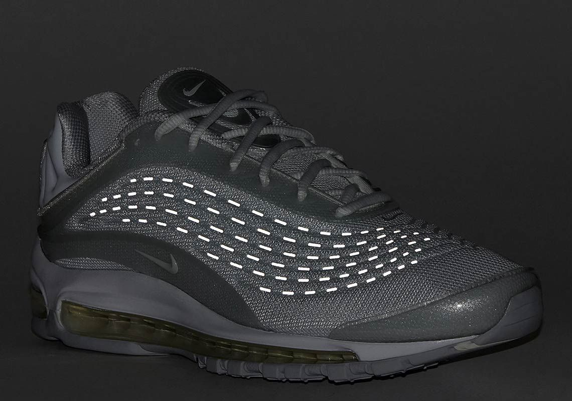 The Nike Air Max Deluxe Pure Platinum Is Dropping Next