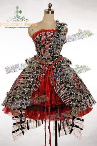 I have wanted this dress ever since I saw it in the movie. Loooove ...