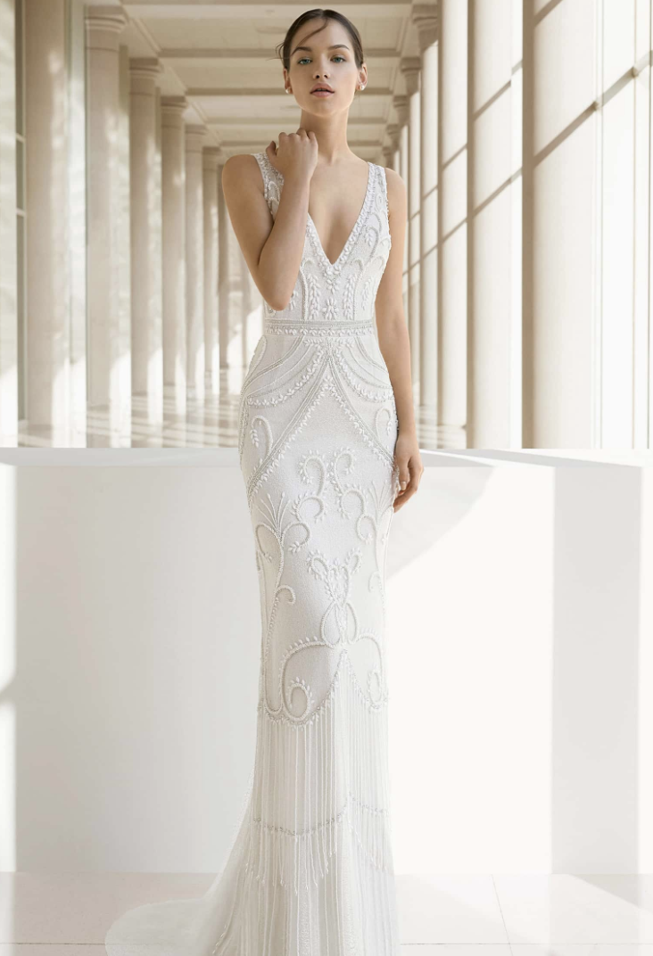 c85cff16d5 The Best Wedding Dress Style for Short Girls