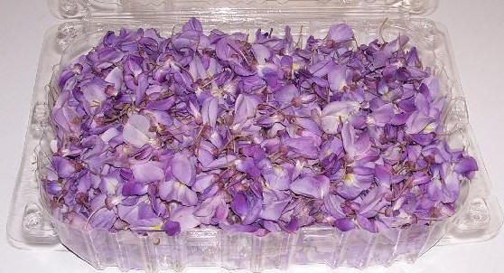 Wisteria Edible Flowers Wild Pantry Mother Nature S Super Store With Images Edible Flowers Decorator Frosting Edible