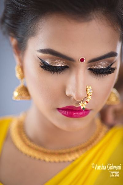 Marathi Bride Makeup With Shimmery Eyes And Bright Pink Lips