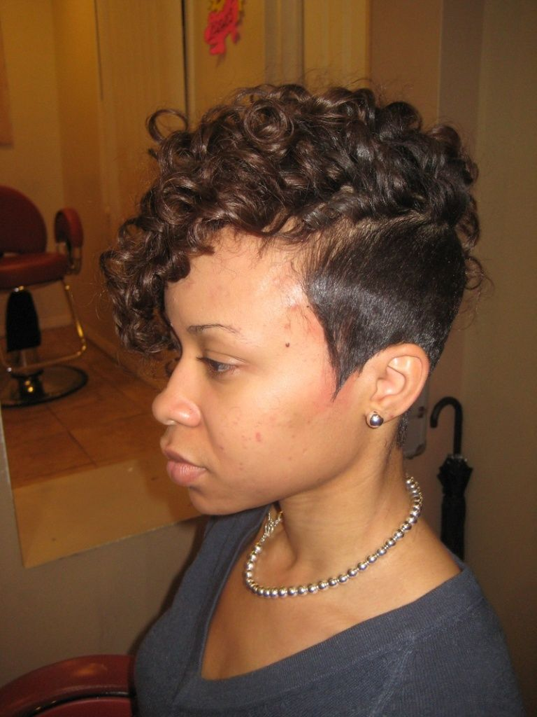 natural-short-hairstyles-for-black-women-with-round-face- 768