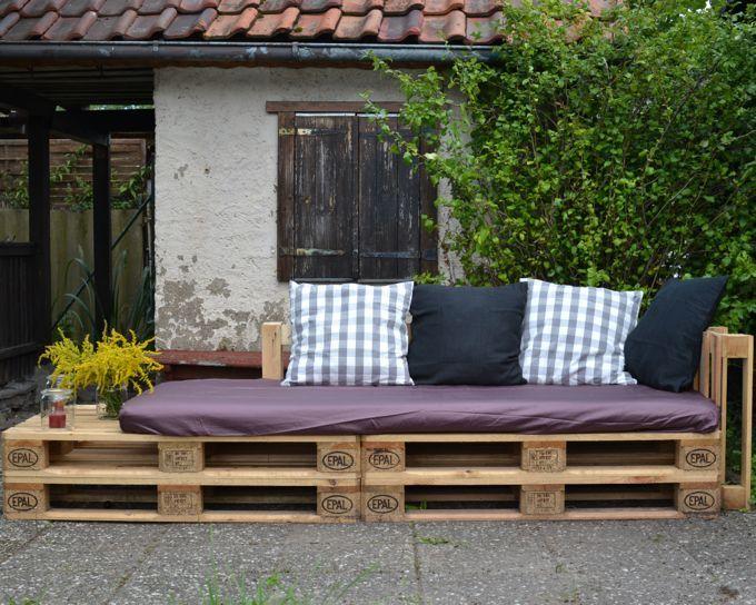 Eine Lounge-Ecke für Parzelle 29: Ein Sofa aus Europaletten (mit ...