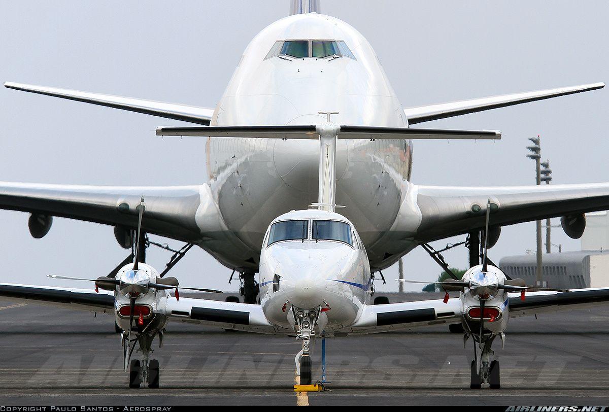 Beech Super King Air 350 (B300) aircraft picture