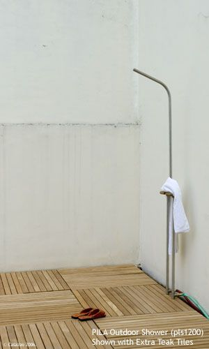 This Is It Free Standing Between The Tub Shower To Keep Plumbing Out Of Outside Wall Calazzo C Outdoor Shower Fixtures Shower Installation Outdoor Shower