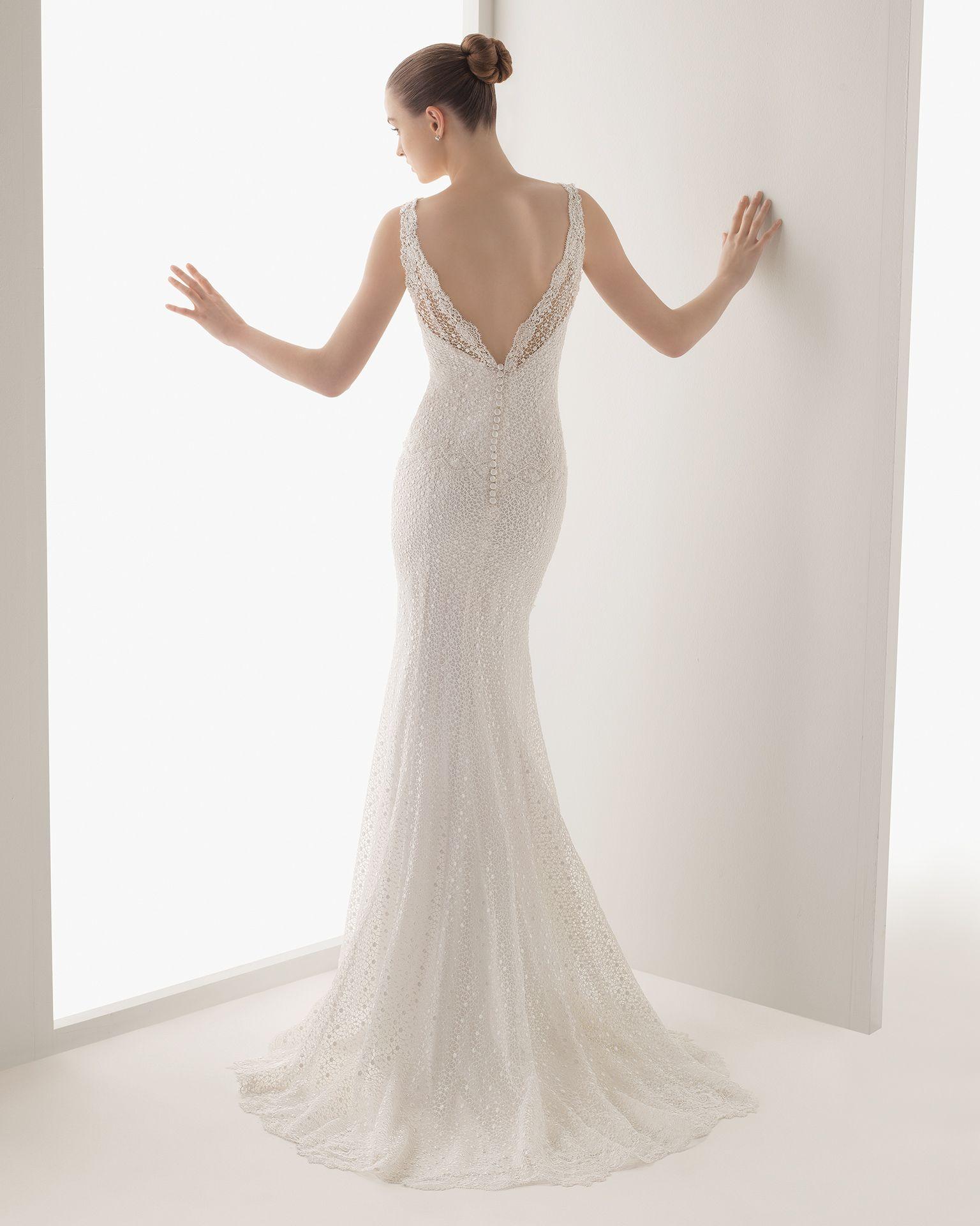 La plus belle robe d'une femme restera