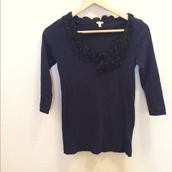{J.Crew} floral collar top! Cute and casual. Great condition. Navy with black detail. Size xs. Bundle with my other jcrew items for an even greater brand name discount! No trades please! #IOnlyLookSweet J. Crew Tops Blouses