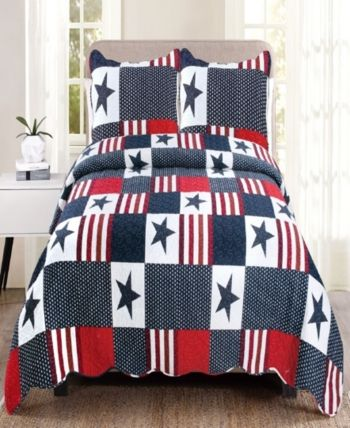 Queen Quilt Set is part of Quilt sets, King quilt sets, Mattress furniture, Quilt sets bedding, Bedroom red, King quilt - Americana features patchwork stars and stripes and other red, white and blue patterns all over, different schemes and dreams that will make you feel patriotic and proud! Our handcrafted quilts come in lovely floral and modern colorful designs, as well as bold, rich solid colors! Sets are soft, luxurious 100% cotton fill 100% polyester face