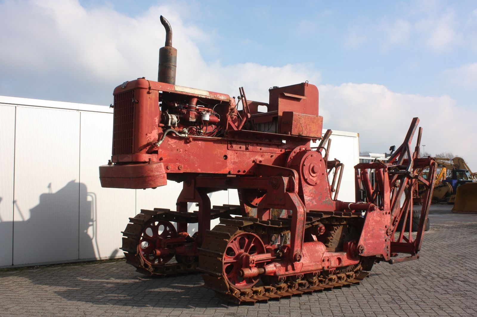 Old Heavy Equipment : S machinery continental cd vintage tractor