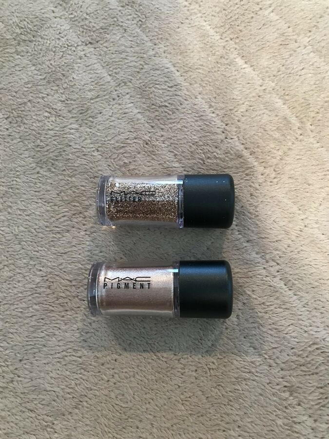 Mac Pigment English Gilt & Mac Glitter Gold Minis Ad