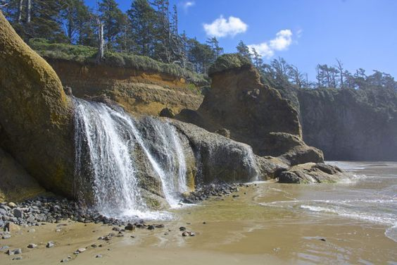 This Little Beach Waterfall In Oregon Is The Perfect Easy Hike That Life