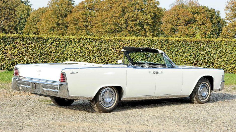 Thunderball: Lincoln Continental Convertible (02) | 007 cars ...