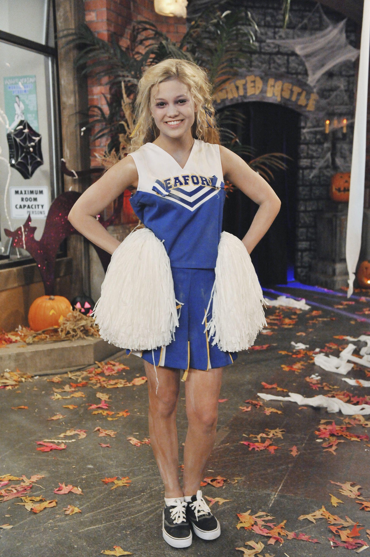 Zombie Cheerleader A La Halloween On The Muggel High School Last