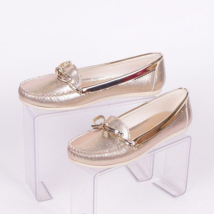 ce35936eeb4 Златисти дамски обувки от еко кожа и лак, стил и разкош! Леки обувки ...