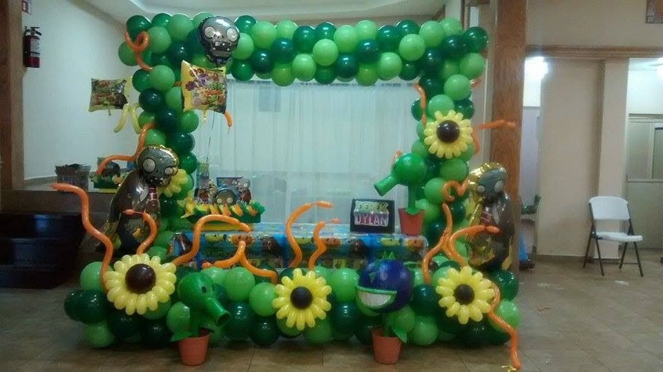 Plantas vs zombies diselo con globos plants vs zombies for Decoracion con globos plantas contra zombies