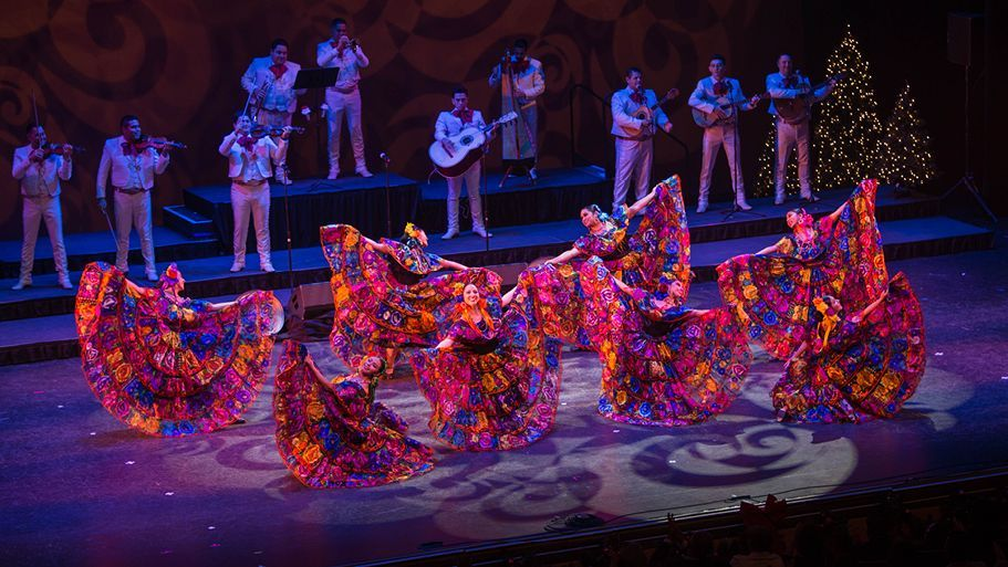 Mexican Style Christmas Eve The Opinion Mexican Style Mexican Christmas Traditions Ballet Shows