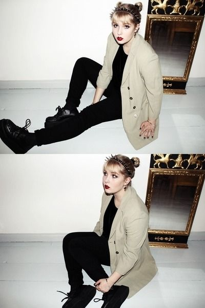camel 2nd Hand blazer - creepers OASAP shoes - black HM jeans